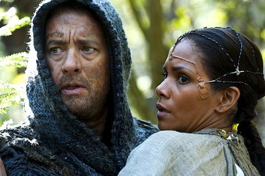 Tom Hanks e Halle Berry em A VIAGEM